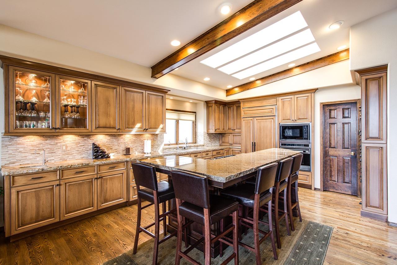 Panele w kuchni – czy to dobry pomysł?